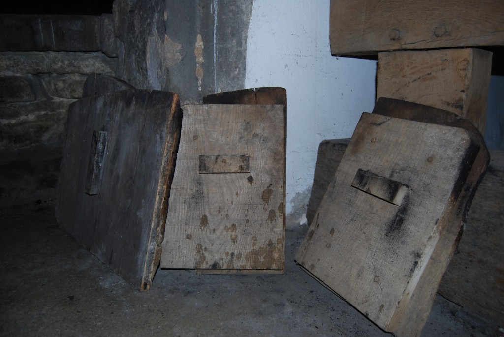Bread oven doors, Haddon