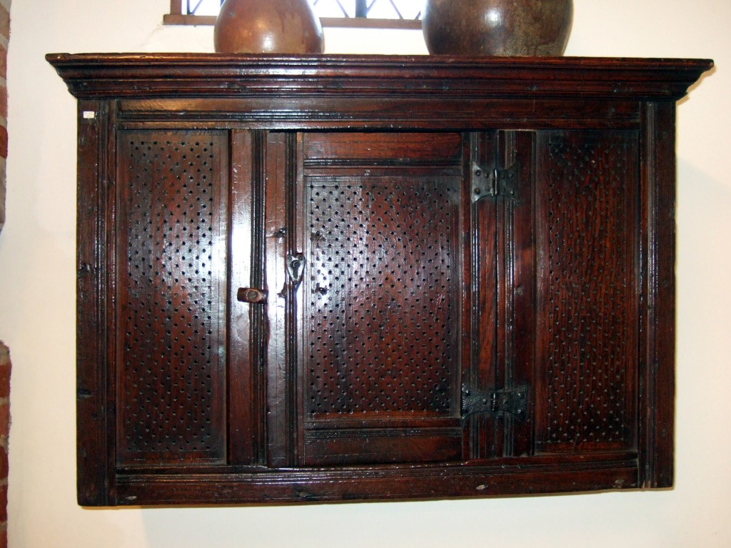 C17 style wall food safe Diane Earl NEN